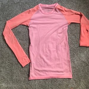 Lululemon Athletica swiftly tech long sleeve.
